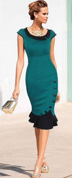 Absolutely beautiful Jade Ruffle Bodycon Dress // Very nice. green black dress purse handbag neck-less earrings gold shoes Dress Skirt, Dress Up, Bodycon Dress, Sheath Dress, Skirt Outfits, Ruffle Dress, Mom Outfits, Gold Dress, Ruffles