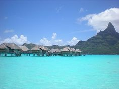 Mmmm Bora Bora the water looks to gorgeous