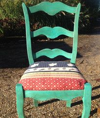 Beautiful vintage kantha upholstered dining chairs #diningchairs #thebohemianbeachcompany www.thebohemianbeachcompany.com Kantha Quilt, Quilts, Bohemian Beach, Upholstered Dining Chairs, Repurposed, Future, Beautiful, Vintage, Ideas