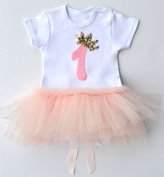 White onesie with pink tulle skirt sewn on the front and back. Offered by Itty Bitty Toes - Online Children's Boutique! 1st Birthday Onesie, 1st Birthday Dresses, Girl Birthday, Baby Kind, Baby Love, Pink Tulle Skirt, Ballerina Party, Babies First Year, First Girl