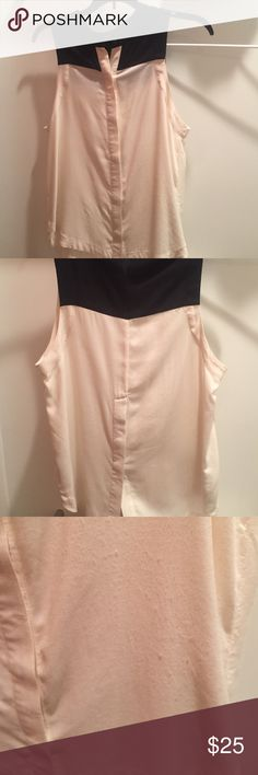 Cute and casual sleeveless top! Alternative apparel brand shirt! Almost perfect condition but has seem light pilling and one mark (shown in pictures) perfect with jeans and flats, offwhite and black Alternative Apparel Tops Blouses