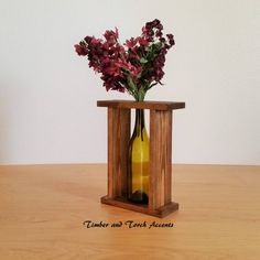Rustic Centerpieces, Table Decorations, Wood Tea Light Holder, Repurposed Wood Projects, Wine Bottle Vases, Modern Plant Stand, Wooden Planters, Wood Creations, Decorating Coffee Tables