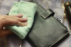 How To Clean Leather Purses: Purse Cleaning Tips Clean Leather Purse, Leather Purses, Leather Handbags, Leather Wallet, Leather Bags, Remove Oil Stains, Ink Stains, Leather Bag Pattern, Diy Wallet