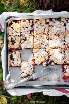 Kruchy placek ze śliwkami i kruszonką is part of Plum cake - Apple Pie Recipes, Sweet Recipes, Cake Recipes, Dessert Recipes, Cookie Desserts, Easy Desserts, Delicious Desserts, Pineapple Coconut Bread, Banana Bread Bars