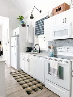 how to organize pots and pans, pots and pans storage ideas, pots and pans organization Kitchen Cabinet Storage, Kitchen Cabinetry, Storage Cabinets, Pan Storage, Storage Ideas, Cottage, Outdoor Dining Set, Decorating On A Budget, Decoration