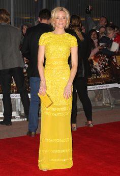 Elizabeth Banks in Bill Blass @ The Hunger Games London Premiere.
