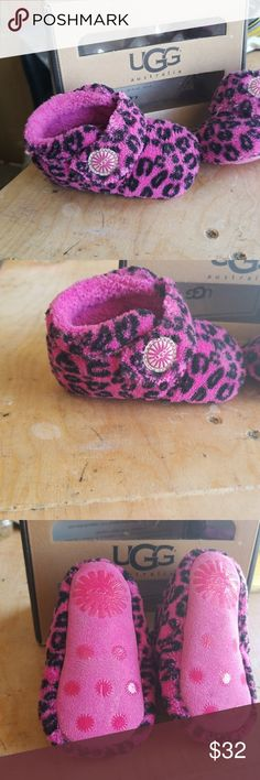 BNIB Baby Uggs Leopard Pink UGG Shoes Moccasins