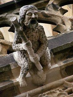 Gargoyle, Cathédrale de Moulins, France