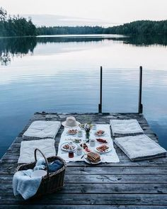 Picnic goals   #picnic #weekendvibes