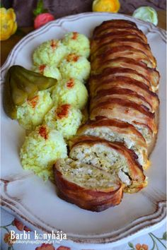Barbi konyhája: Csirkés alagút és egy új családtag ♥ Meat Recipes, Real Food Recipes, Chicken Recipes, Cooking Recipes, Hungarian Cuisine, Hungarian Recipes, Cold Dishes, Good Food, Yummy Food