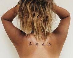 Uma tatuagem alternativa pra fugir do óbvio.