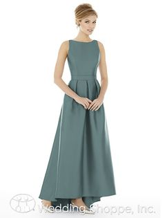 The perfect bridesmaid dress for a winter wedding | Alfred Sung D706