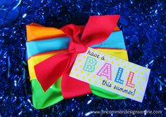 Cutest Summer party idea!  Beach Ball Party for Kids... great for classrooms, pool parties and more!  www.uncommondesignsonline.com #partypl...