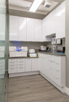 A-dec dental cabinets increase productivity, streamline workflow, and save precious time. Learn how A-dec dental cabinetry works purposefully. Medical Office Interior, Dental Office Decor, Medical Office Design, Pharmacy Design, Dental Offices, Clinic Interior Design, Clinic Design, Waiting Room Design, Dental Cabinet