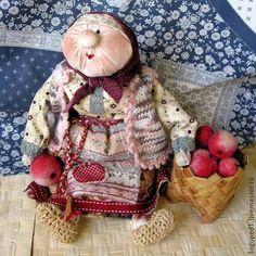 Бабуля с яблоками (народная кукла) - купить или заказать в интернет-магазине на Ярмарке Мастеров   Интерьерная подарочная кукла.<br /> Бабуля…