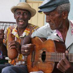 The beautiful world of Cuban culture. Cuba People, Trinidad, Cuban Culture, Folk, Afro Cuban, Street Musician, Caribbean Culture, Havana Cuba, World Music