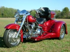 2004 Harley Road King Custom - This is a California Side Car trike with ALL the bells and whistles... Sweet!