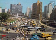 Postal da Praça da Bandeira em 1977, vista provável de um dos quartos do hotel.