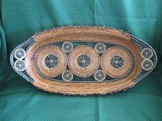 Pine Needle Crafts, Teneriffe, Pine Needle Baskets, Basket Crafts, Pine Needles, Basket Bag, Sisal, Pine Cones, Textile Art