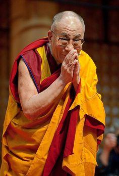 """""""A determinação humana é mais poderosa do que as balas."""" Dalai Lama #now #nowmaste #namaste DalaiLama"""