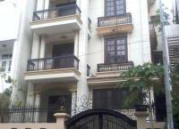 Cho thuê nhà Quận Tân Bình, HXH đường Đồng Đen, DT 6,5x30m, 1 trệt, 3 lầu, giá 21 triệu http://chothuenhasaigon.net/33453-2/