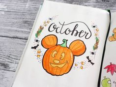 Add a little sparkle of magic to your bullet journal with these 44 beautiful Disney Inspired Bullet Journal Layouts. Add a little sparkle of magic to your bullet journal with these 44 beautiful Disney Inspired Bullet Journal Layouts. Bullet Journal Disney, Birthday Bullet Journal, Bullet Journal Halloween, March Bullet Journal, Bullet Journal Cover Ideas, Bullet Journal Quotes, Bullet Journal Notebook, Bullet Journal Themes, Bullet Journal Layout
