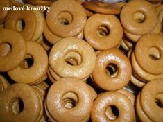 Medové kroužky | NejRecept.cz Christmas Gingerbread House, Christmas Cookies, Czech Recipes, Doughnut, Sweet Recipes, Food And Drink, Sweets, Baking, Cake