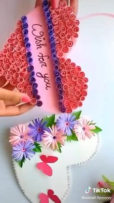 Show how grateful you are with the very best hostess gift ideas, 2 Unique Gift Ideas for Women Who Have Everything Cool Paper Crafts, Paper Flowers Craft, Paper Crafts Origami, Fun Crafts, Diy Crafts Hacks, Diy Crafts For Gifts, Diy Arts And Crafts, Diy Birthday Gifts For Friends, Unique Birthday Cards