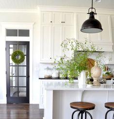 25 Luxury White Kitchen Cabinets Design Ideas