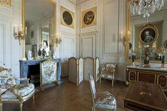 Madame Adelaide's interior cabinet