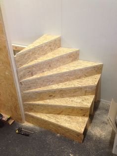 Stairway built by itself – construction manual for … Attic Stairs, House Stairs, Luxury Home Decor, Home Decor Trends, Winder Stairs, Stairs To Heaven, Escalier Design, Bungalow Interiors, Building Stairs