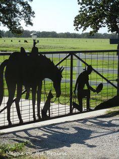 What a beautiful gate!- What a beautiful gate! What a beautiful gate!
