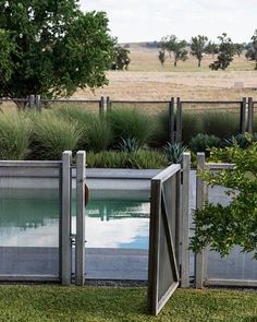 For our convenience when swimming in an exclusive swimming pool, we need to add a fence. This can prevent strangers and wild pets from entering. Below is a motivation for wooden pool fence ideas. in pool ideas