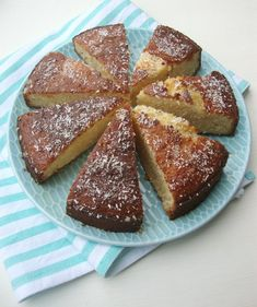 kokoscake met honing No Bake Desserts, Dessert Recipes, Baking Bad, Sweet Bakery, Different Cakes, Coconut Recipes, Coconut Cakes, Cupcake Cookies, Cupcakes