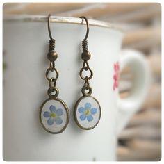 Ohrringe echte Vergissmeinnicht Blüte oval antik von Kiezelfen *Schmuck & Accessoires auf DaWanda.com