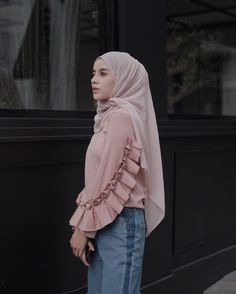 Casual Hijab Outfit, Hijab Dress, Modest Outfits, Modest Fashion, Fashion Outfits, Hijab Fashionista, Street Hijab Fashion, Nighty Night, Islamic Fashion