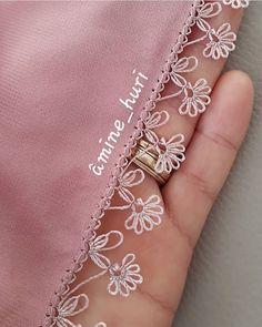 Fotoğraf açıklaması yok. Filet Crochet, Knit Crochet, Thread Art, Needle And Thread, Tatting Patterns, Crochet Patterns, Crochet Unique, Tatting Lace, Needle Lace
