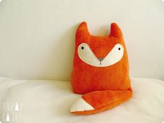 Q Sewing Toys, Sewing Crafts, Sewing Projects, Baby Wunder, Fox Pillow, Fox Crafts, Fox Decor, Fabric Animals, Fabric Toys