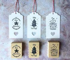Seguimos con los preparativos navideños🎄✨ Sellos para personalizar tus regalos 🎁 ✔️Pedidos por mail 💌 o MD 📬 . Christmas Gift Tags, Merry Christmas, Christmas Ornaments, Handmade Scrapbook, Craft Cards, Emboss, Stamping, Cakes, Holiday Decor