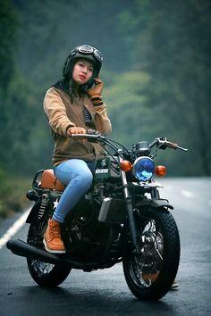 Modifikasi Motor Kawasaki Ninja 250 CB (Classic Style) - Ninja Tobat Racing Modification of Kawasaki Ninja 250 CB Motorcycle (Classic Style) - Ninja Tobat Racing Lady Biker, Biker Girl, Kawasaki Ninja 250r, Motorcycle Wallpaper, Cafe Racer Bikes, Cafe Racers, Scrambler Motorcycle, Motorcycle Exhaust, Scooter Girl