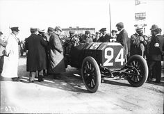 640px-Felice_Nazzaro_in_his_Fiat_at_the_1908_French_Grand_Prix_at_Dieppe_(2).jpg (640×445)
