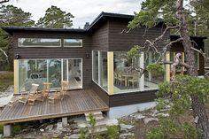 Modern loghouse by Sunhouse, Finland.