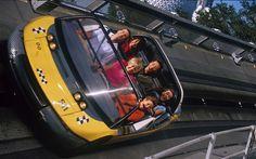 O Test Track leva os visitantes a um teste de um automóvel, com direito a freadas bruscas e alta velocidade, no Epcot Center.