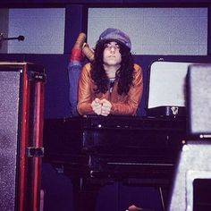 Great photo of #paulstanley recording 1st #KISS album at Bell Sound Studios, New York City, #1973