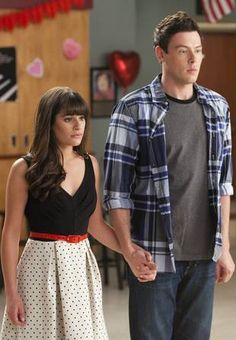 "Rachel and Finn Tell The New Directions About Their Engagement in Glee Season 3, Episode 13: ""Heart"""