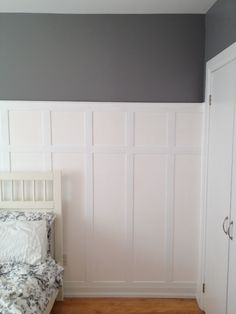 Guest Room Board & Batten How To « Storefront Life House, Home Projects, Guest Room Paint, Home, Bedroom Makeover, Diy Home Improvement, Apartment Chic, Home Diy, Guest Room