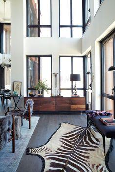 Welcoming Living Room Interior By Rawlins Calderone Design Design Loft, Design Salon, Home Design, Interior Design, Design Ideas, Interior Ideas, Condo Design, Design Hotel, Interior Modern