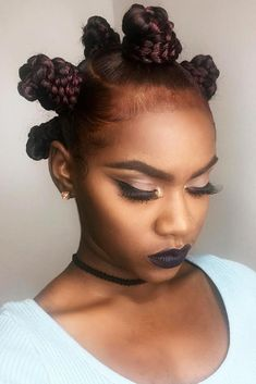 Bantu Knots With Burgundy Highlights Looking for some ways of how to do bantu knots hairstyles? Twist out curls on relaxed hair inspiring styling ideas and handy tutorial are here! Bantu Knot Hairstyles, Short Afro Hairstyles, Fringe Hairstyles, Fancy Hairstyles, Hairstyles For Round Faces, Curled Hairstyles, Vintage Hairstyles, Straight Hairstyles, Hairstyles Haircuts