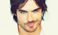His blue eyes are so perfect.. ♥
