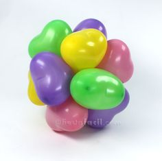 Un topiario para primavera, de blog.fiestafacil.com / A spring balloon decoration, from blog.fiestafacil.com